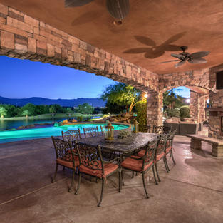 POOL SIDE OUTDOOR DINING