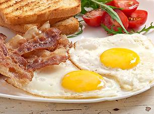 3luxbreakfast.jpg