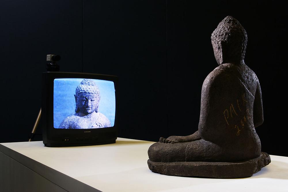 El Buda y la TV