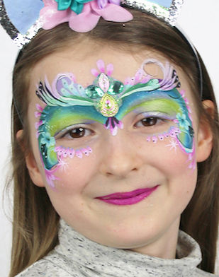 Face painting for kids parties London Artycat Faces Face painter Wandsworth Putney Barnes Tooting Chelsea London kensington Richmond Barnes dulwich facepainter near me princess face paint
