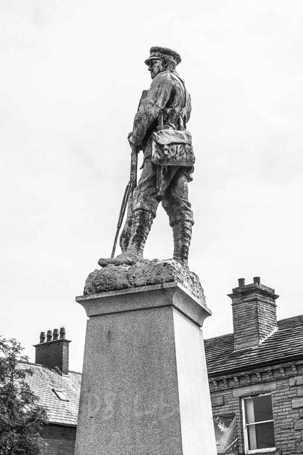 Ossett War Memorial | Quattro DP2
