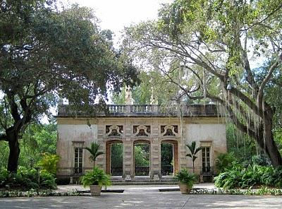 vizcaya-museum-and-gardens-miami-wedding-ceremony-site