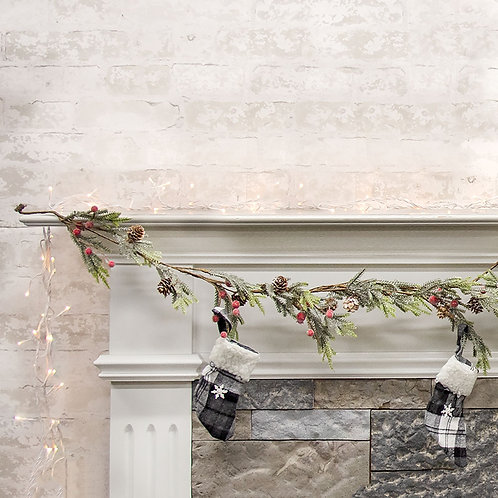 Mountain Pine w/ Berries Garland