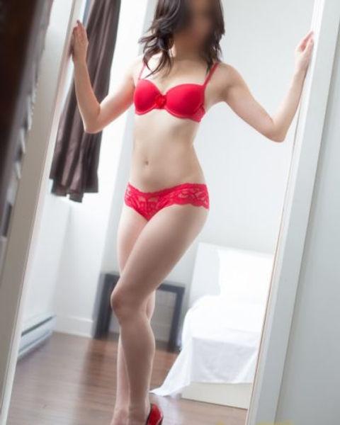 Maie_BO1C1891-Edit-400x500_c.jpg