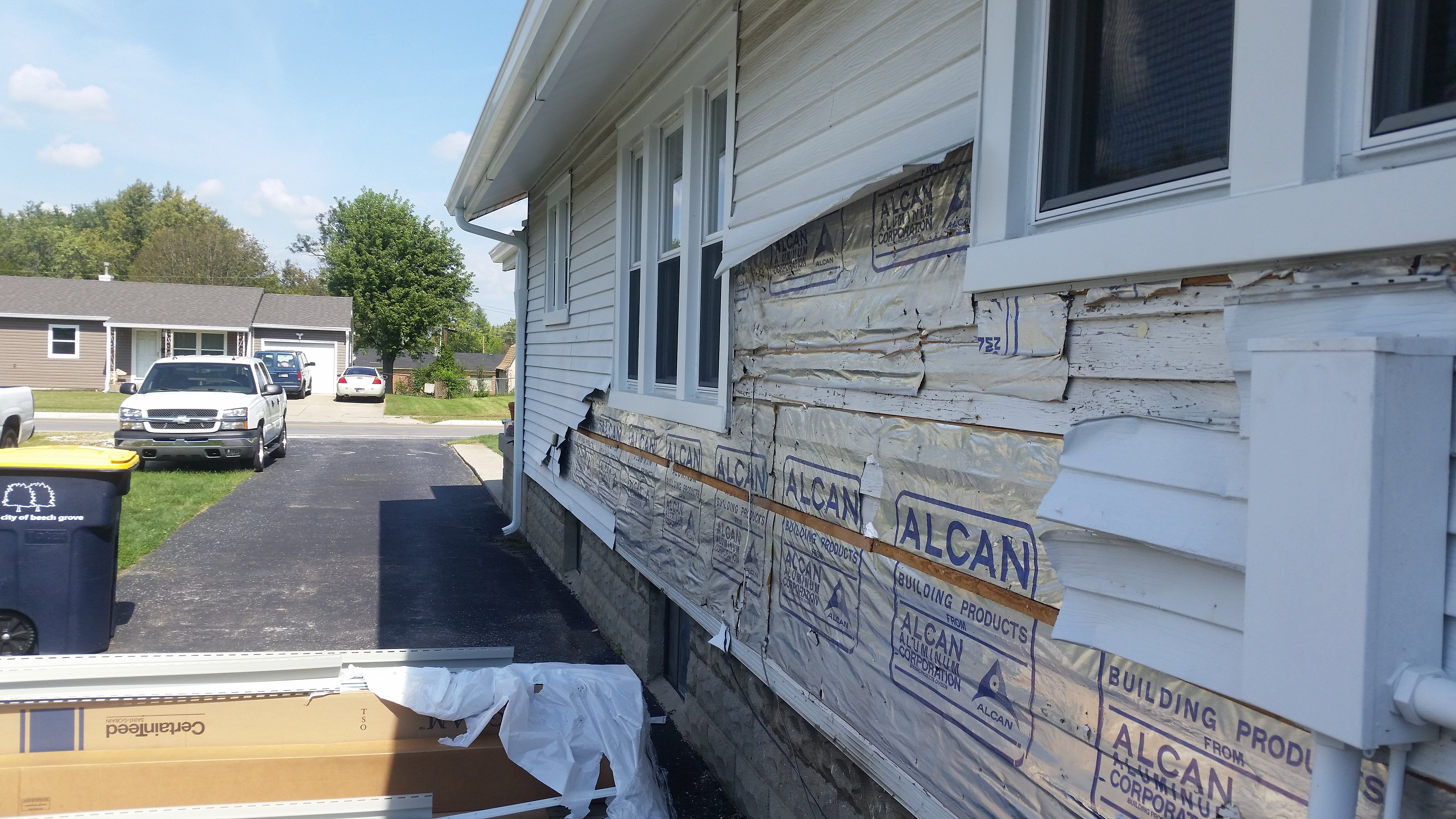 How to remove aluminum siding - Abc Junk Removal Hauling Waste Management And Demolition Aluminum Siding Tear Off