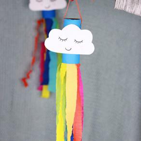 Nube con arcoíris para colgar en tu balcón