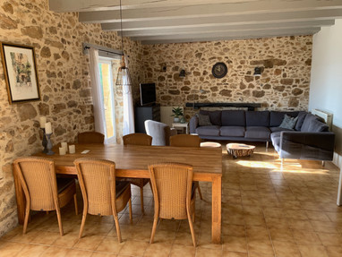 Beynac living room and dining table