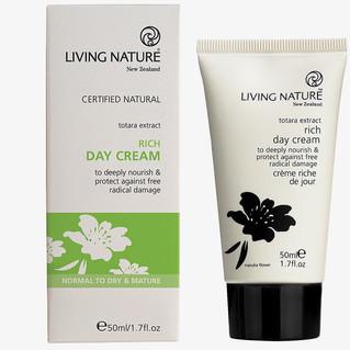 living-nature-reichhaltige-tagescreme(1)