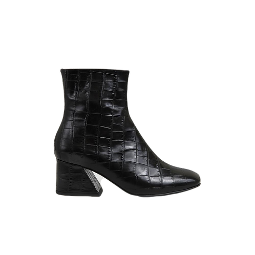UNREAL FIELDS | Doric - Black  Leather Square Toe Boots