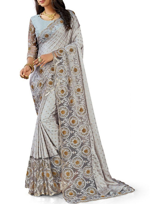 Moving White Saree For Wedding Party