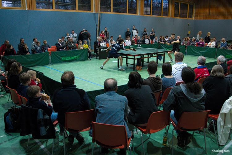 Im Hauptschulturnsal steppte der Tischtennis-Bär: 200 Besucher sind bis heute eine rekordverdächtige Zuschauerkulisse bei einem Heimspiel der ATUS!