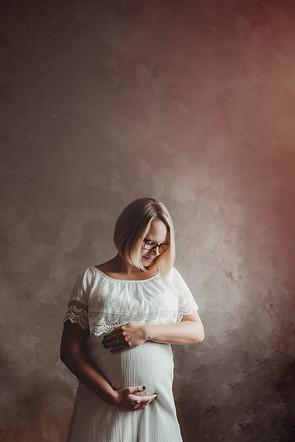 Babybauch zu Hause fotografieren
