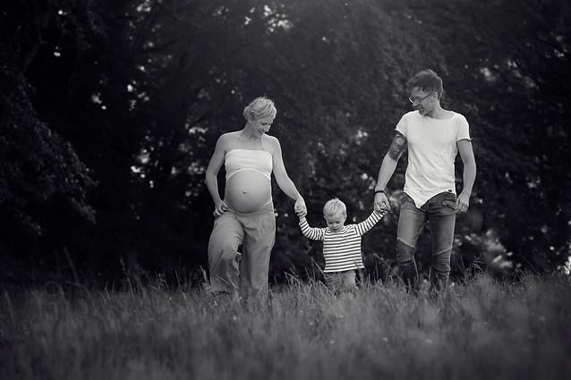 Babybauch Familienfoto