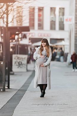 Stadtshooting Babybauch