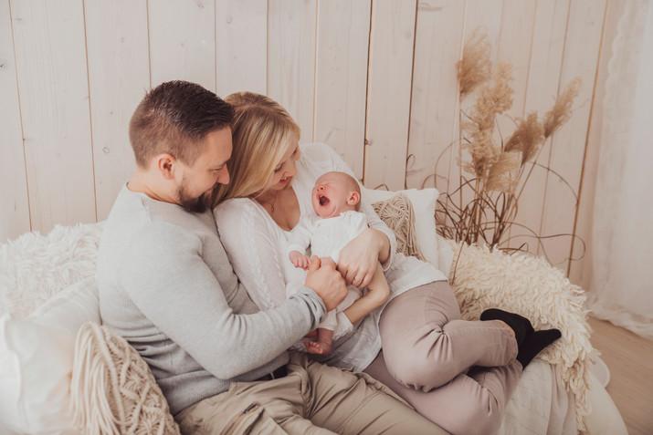 Simple Neugeborenenfotos