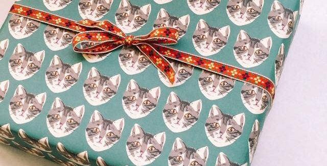 La Familia Green Cat gift wrap