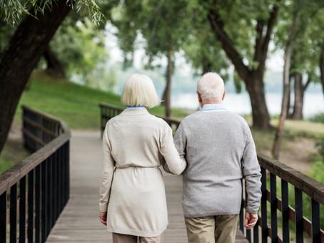 """Le guide du """"Bien vieillir chez soi"""" 2021 vous aide dans votre projet de maintien à domicile"""