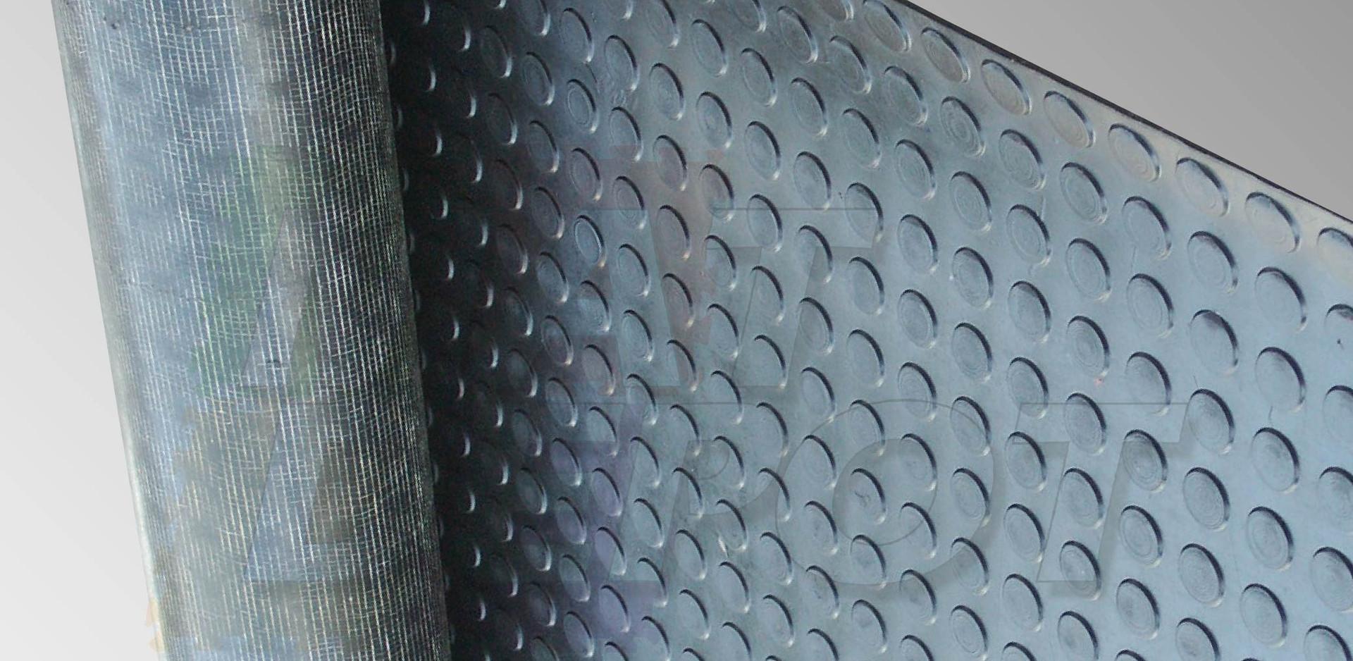 Tapete tachonado base textil