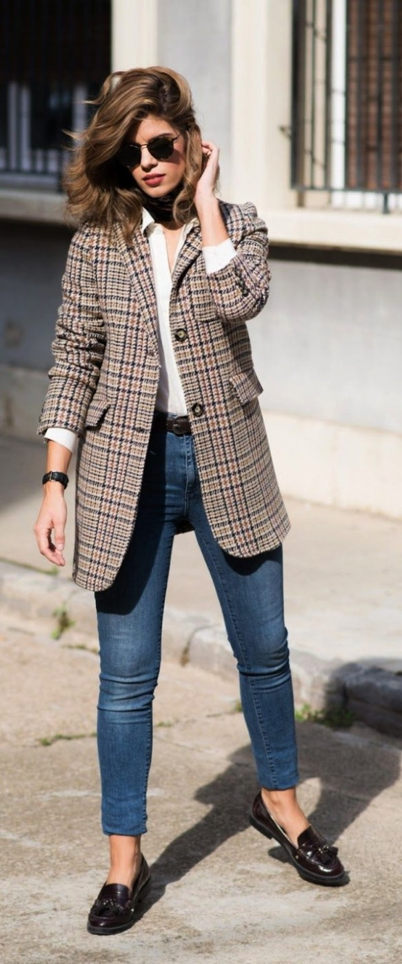 33-women's-casual-work-outfits-for-winter-coat-female