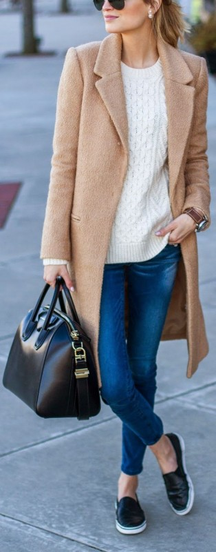 33-women's-casual-work-outfits-for-winter-black-bag