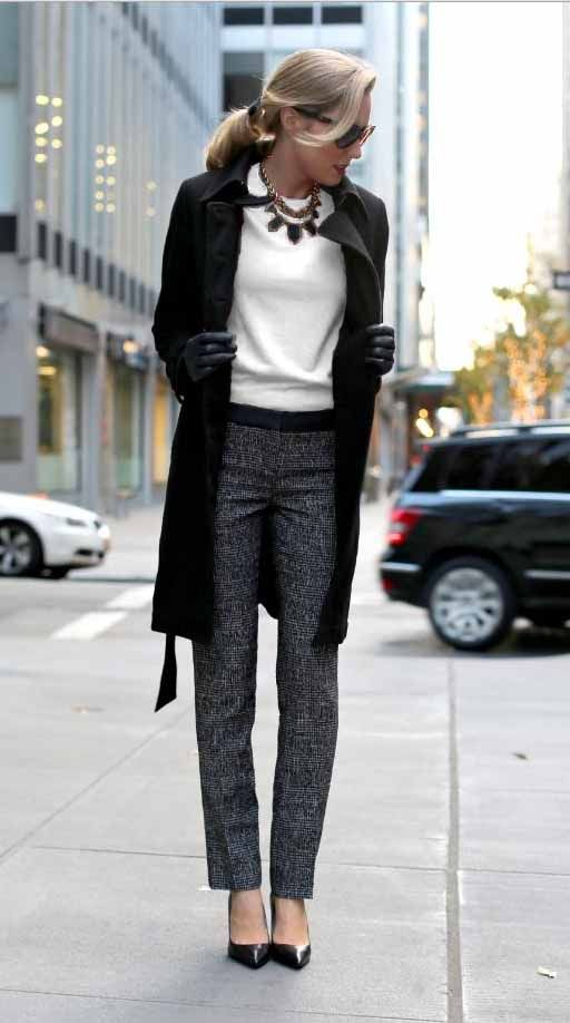 33-women's-casual-work-outfits-for-winter-long-black-coat