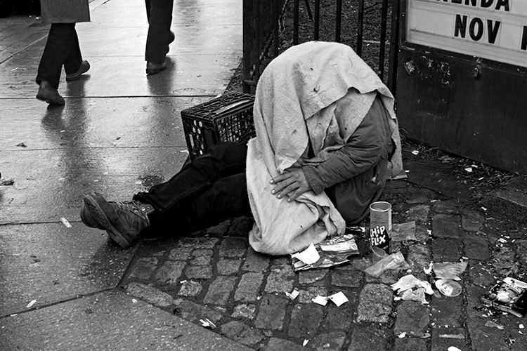 hungry, homeless, hungrystreets.com,hungrystreets, donate. old man, sleeprough,