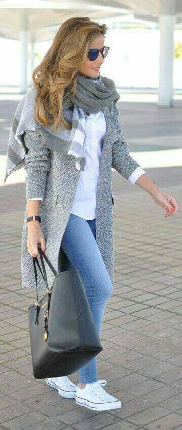 33-women's-casual-work-outfits-for-winter-grey-cardigan