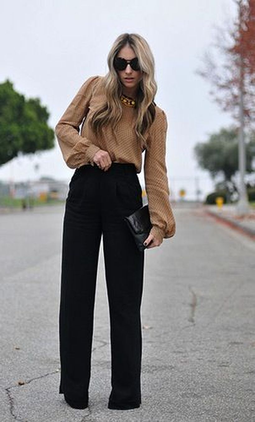 33-women's-casual-work-outfits-for-winter-black-trousers