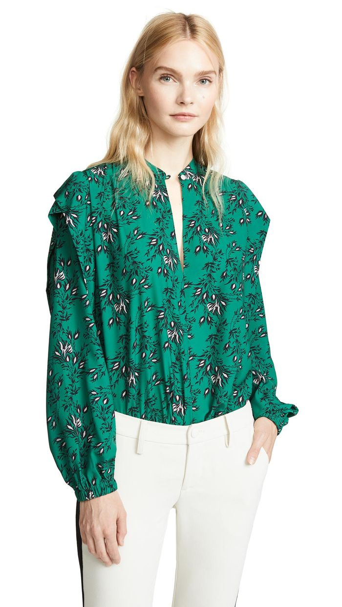 33-women's-casual-work-outfits-for-winter-white-green-top