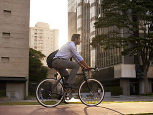 What to wear when cycling to work?