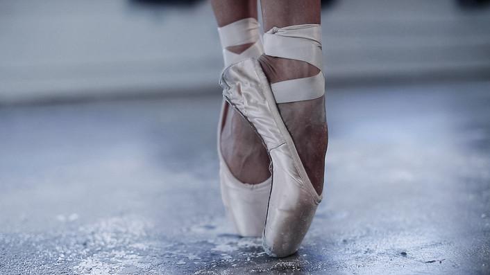 5-ballet_dancer_arnett_creative_2020.jpg