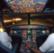 Piloten-im-Cockpit-eines-Airbus-321-nach