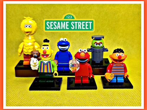 Sesame Street set of 6 figures.