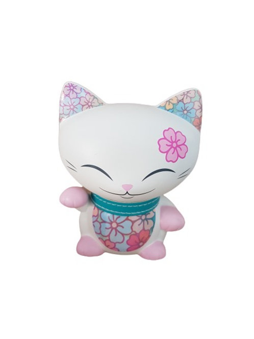 Mani the lucky cat wit