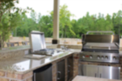 Custom Outdoor Kitchen without Patio Cover