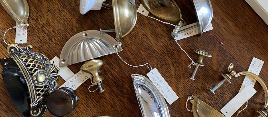 シェーカーキッチンには様々なハンドル、ノブを選ぶ事ができます。