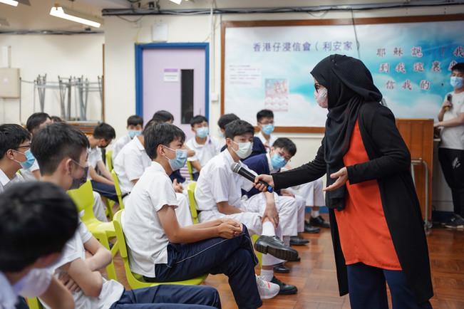 Sham Shui Po Community Tour with Ethnic Minority