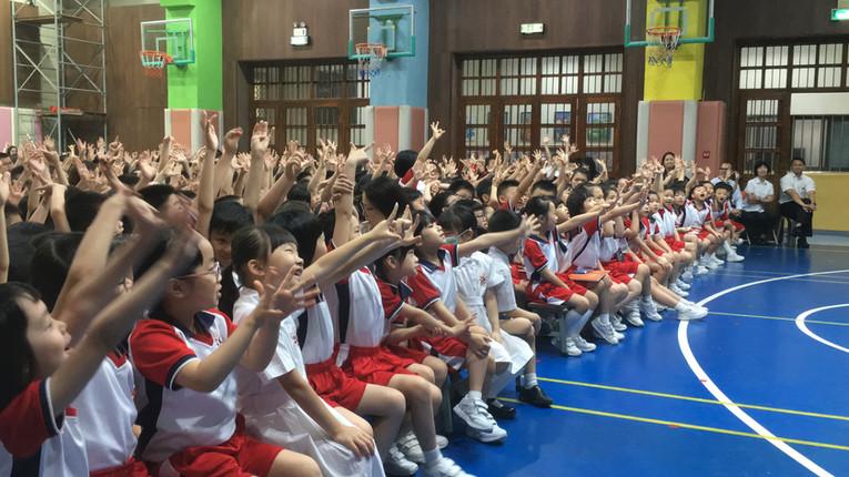 School sharing 4.JPG