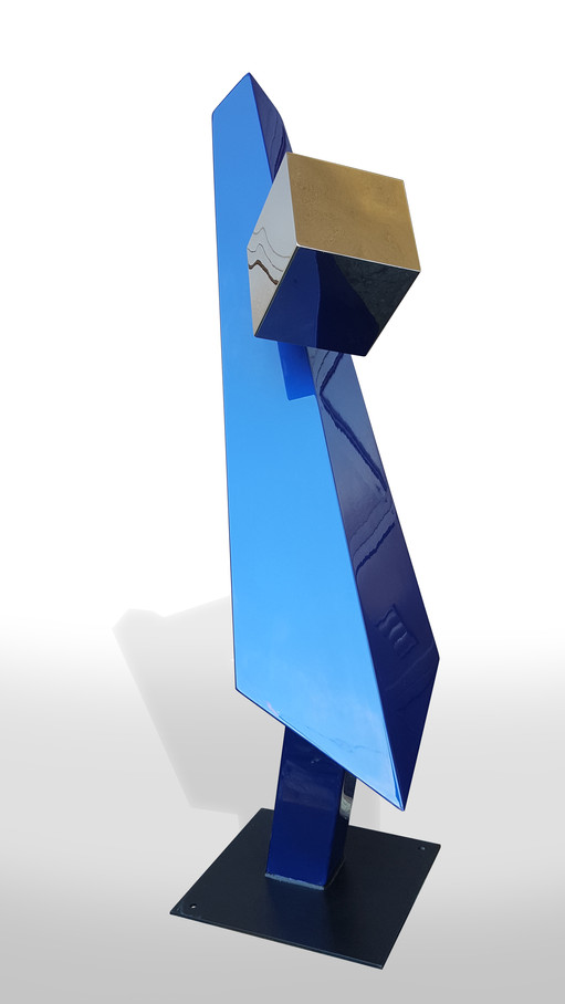 Hovering Cube
