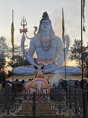 Shiv Temple Jabalpur.HEIC