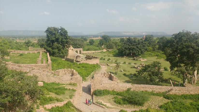Bhangarh Fort.jpg