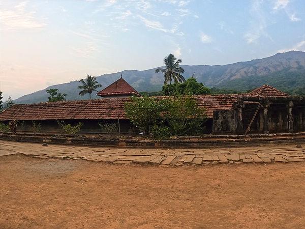 Thirunelli Temple.jpg