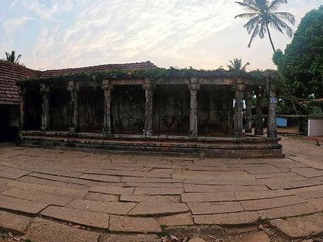 Thirnuelli Temple Premises.jpg