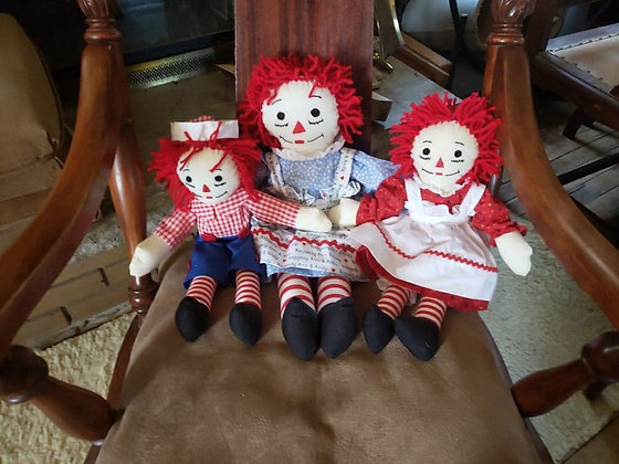 Raggedy Anns and Andys