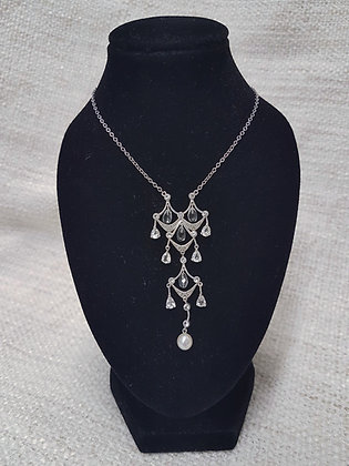 White Gold Chain / Pendant Pearl, Diamonds and Crystal Drops