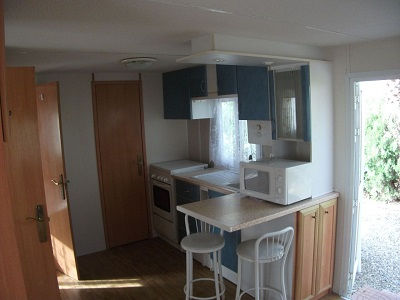 kitchen sm.jpg