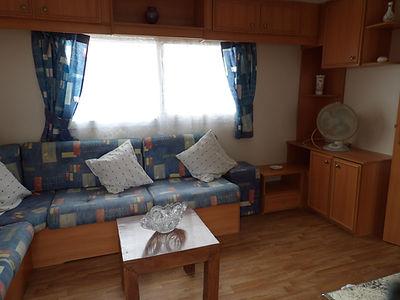 Alucasa 8000 R12P5 livingroom
