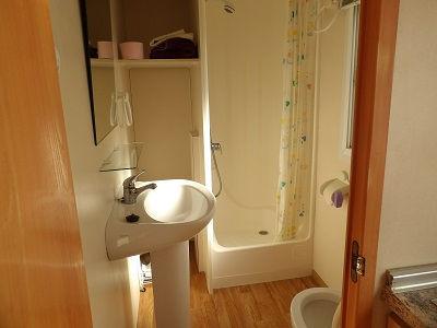8000 bathroomsm.jpg