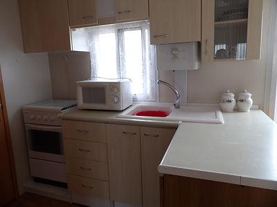 Alucasa 6740 pet area kitchen