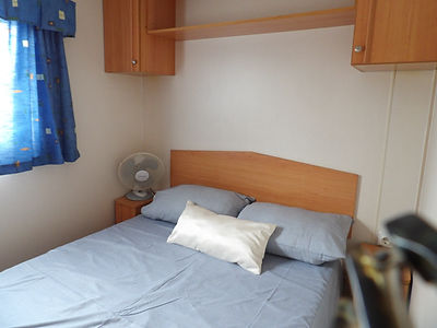 Alucasa 8000 R12P5 double bedroom